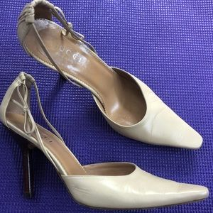 GUCCI cream leather side tie heels shoes GORGEOUS